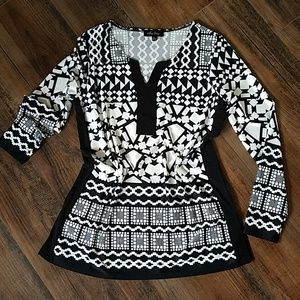 Melissa Paige  black & white tunic med.